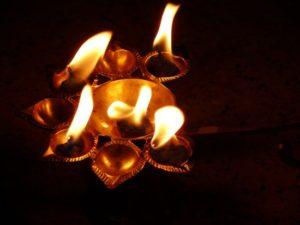 india-2008.1204554000.the-arti-lamp